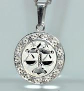 Přívěsek stříbro se zirkony se znamením Vah SZZ010