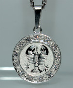 Přívěsek stříbro se zirkony se znamením Raka SZZ007