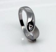 Stříbrný prstýnek se zirkonem 0001