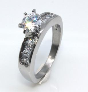 Zásnubní prstýnek se zirkony 168