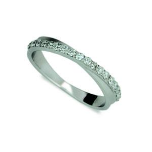 Stříbrný prsten se zirkony 1972